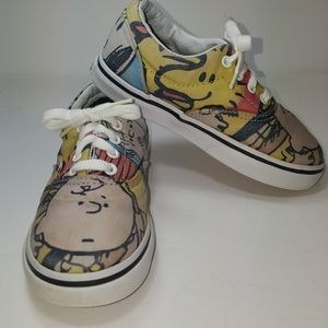 """Vans """"Peanuts"""" lace-up sneakers sz 9.0 Toddler"""